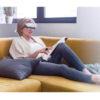 Lichttherapie Brille – AntiAging, Aknereduzierung, gegen Depressionen, für Brillen- & Kontaktlinsenträger geeignet - beim Lesen